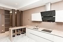 ID 0437 Авиационная дом 77 к. 5 - четырехкомнатная квартира в аренду.