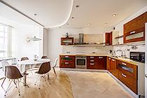 Предлагаем снять квартиру в ЖК Две башни на Бирюзова 32.