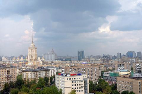 Вид из окна. Дохтуровский переулок 6, аренда трехкомнатной квартиры от VIP Apartments Moscow.