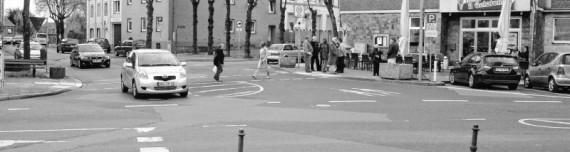 """""""Frische Farbe wäre ausreichend, eine Mittelinsel in der Bischofstraße überflüssig"""": Die Büsbacher setzten auch beim Ortstermin zuerst auf ein Gesamtkonzept zur Gestaltung des Dorfmittelpunktes, bevor Einzelmaßnahmen einer Gestaltung aus einem Guss widers"""