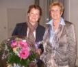 Die Vorsitzende Frau Edith Nolden übergab Frau Natus-Can als Dankeschön für ihr Kommen  einen Blumenstrauß.