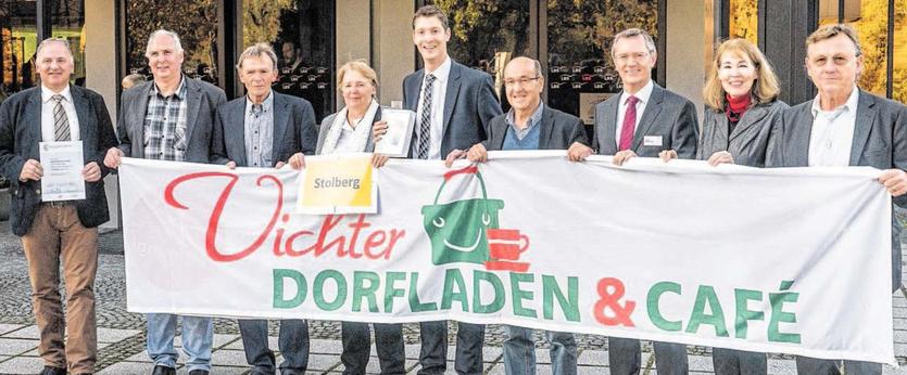 """Das Projekt """"Vichter Dorfladen & Café"""" wurde im Rahmen des LBS-Zukunftspreises für """"beispielhaftes bürgerliches Engagement"""" als eines der zehn Erstplatzierten ausgezeichnet! Über 215 tolle Projekte aus NRW hatten sich beworben. Foto: Verein"""