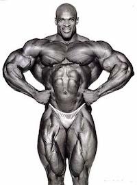 Ronny Coleman - achtfacher Gewinner des Mr. Olympia(1998-2005) - hat auf seine Körpergröße bezogen ungefähr 40 Kg mehr fettfreie Körpermasse als die Mr. America-Sieger der 40 und 50 Jahre gehabt!