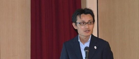 講演中の田代先生