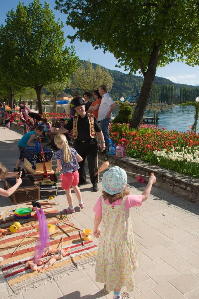 Kinder Mit Mach Zirkus mit DieZauberin