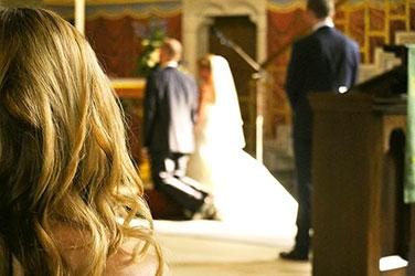 Hochzeitssängerin, Kirchliche Trauung