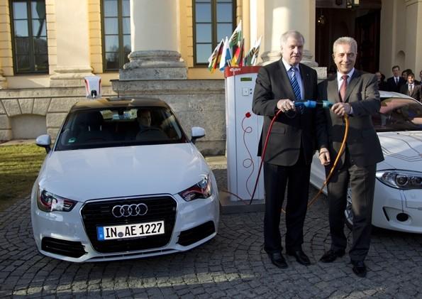 der bayerische Ministerpräsident Horst Seehofer und der sächsische Ministerpräsident Stanislaw Tillich