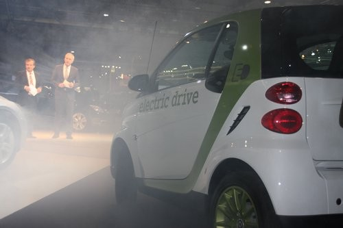 Jan Hofer präsentierte auf der AMI 2010 in Leipzig bei der Mercedes Pressekonferenz den Smart electric drive
