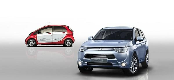 Outlander PHEV (rechts) und Mitsubishi i-MiEV