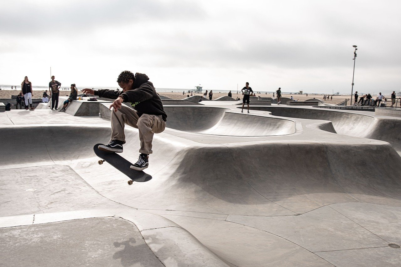 【初心者必読】スケートボード選び方。初心者でも乗りこなしやすいモデルをピックアップ
