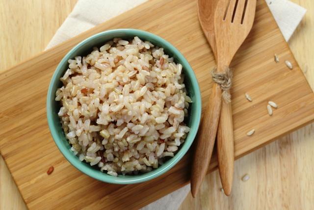「糖質制限ダイエット」を勧めないこれだけの理由 白米をやめ玄米にすれば大腸がんリスクも減少