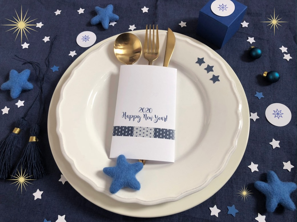 new year 2020 pantone classic blue happy new year novo leto modra rubber stamps perlenfischer masking tape garn garn und mehr bakers twine table decoration tischdekoration pogrinjek stars zvezda