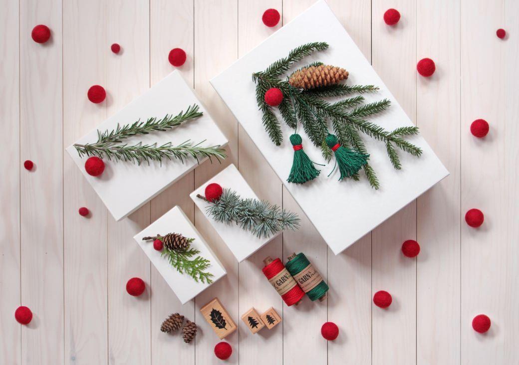 Fridolina hygge perlenfischer stempel zig stampiljka geschenkeverpacken giftbox giftwrapping xmas x-mas weihnachten fridolina.si buntbox nature material zoepfe rosmarin rosemary feltbeads filzkugeln