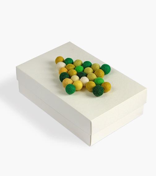 advent adventskranz gift wrapping felt balls kroglice iz filca filzkugeln garndundmehr kvačkanje crochet geschenkeverpacken weihnachten buntbox zavijanje daril xmas x-mas christmas inspiration inspiracije