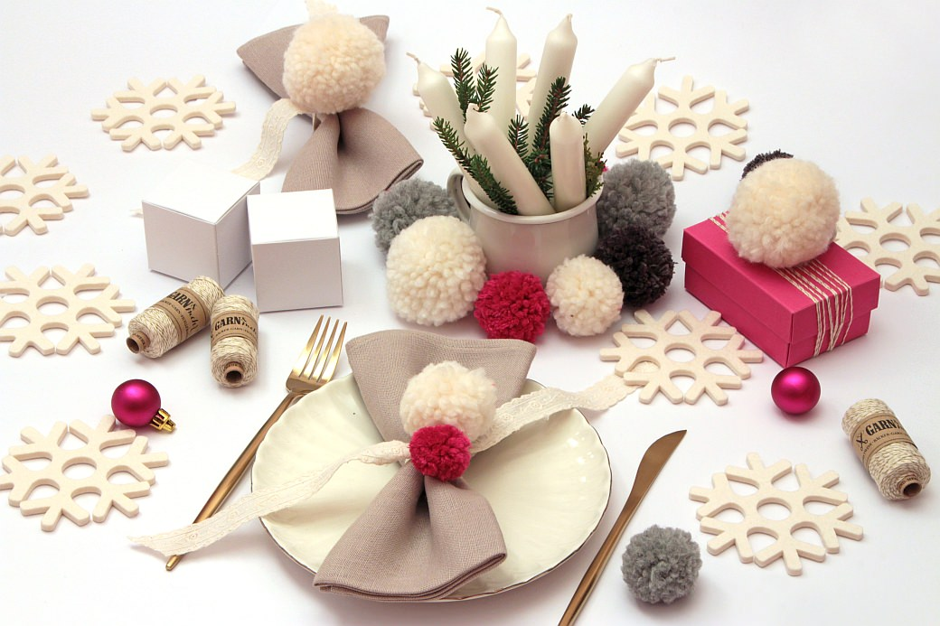 Fridolina hygge geschenkeverpacken gift box gift wrapping xmas x-mas weihnachten fridolina.si pompon pompons buntbox grey white christmas