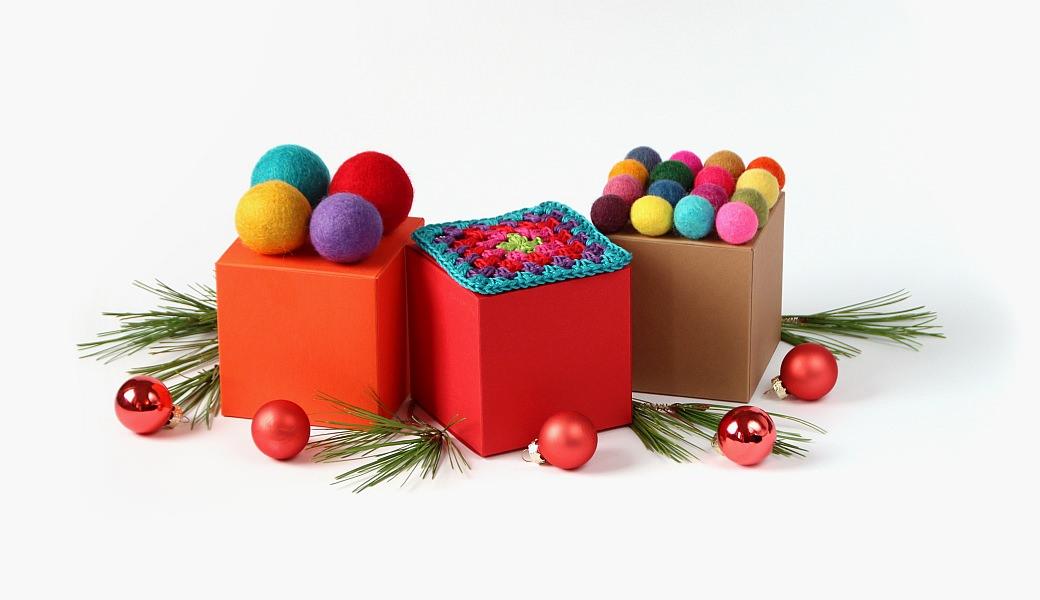 advent adventskranz gift wrapping felt balls kroglice iz filca filzkugeln garndundmehr box gift wrapping buntbox kvačkanje crochet geschenkeverpacken weihnachten zavijanje daril xmas x-mas christmas inspiration inspiracije
