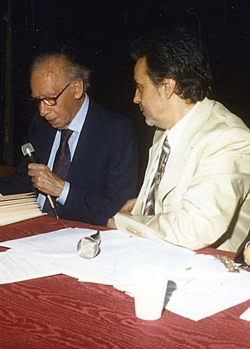 foto: Mario Luzi con Marco Marchi a Castelfiorentino, 2001