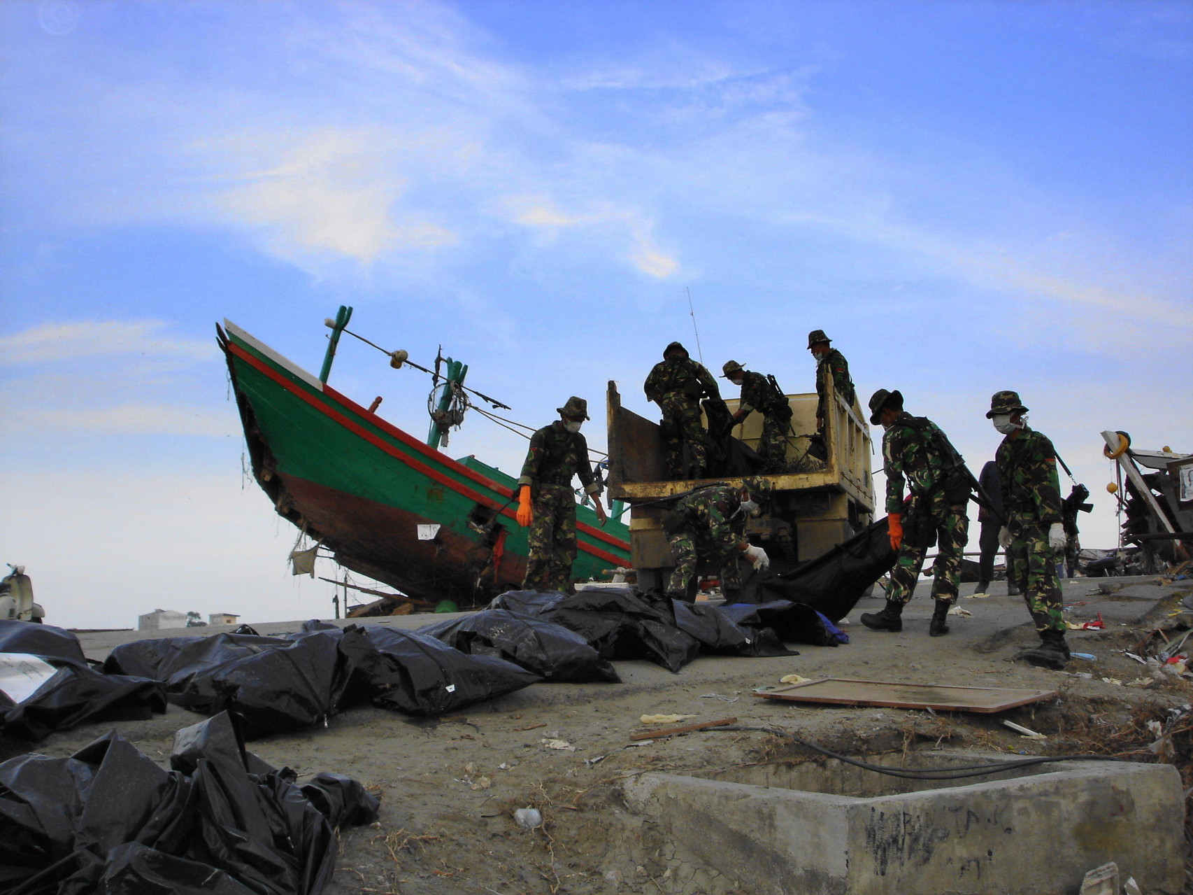 Humanitarian response to the 2004 Indian Ocean earthquake