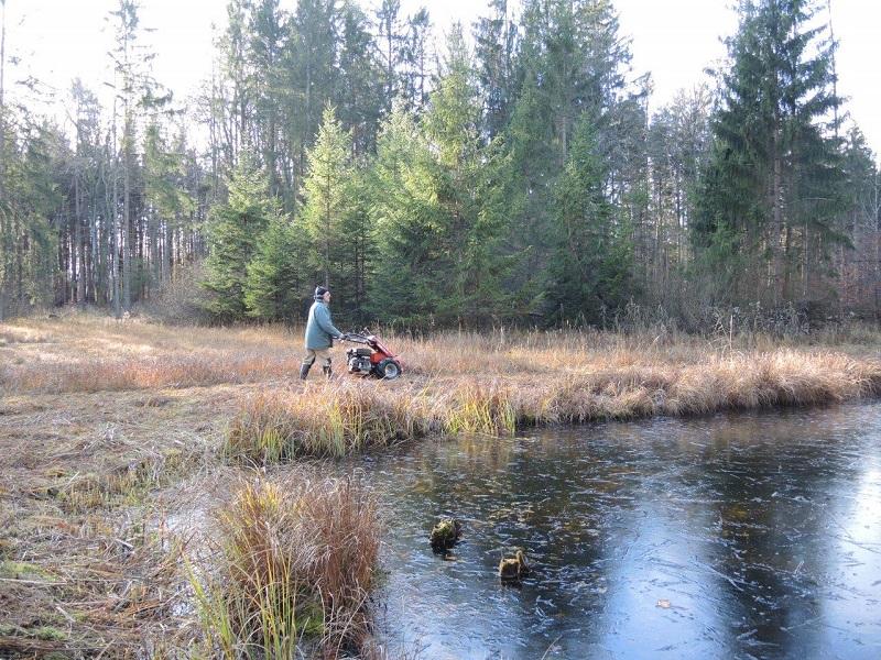 Landschaftspflege: Mäharbeiten auf der Teufelswiese