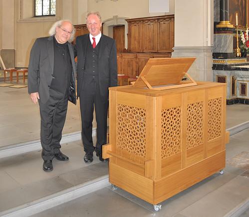 Orgelbauer Christoph Enzenhofer und Organist Bernhard Loss