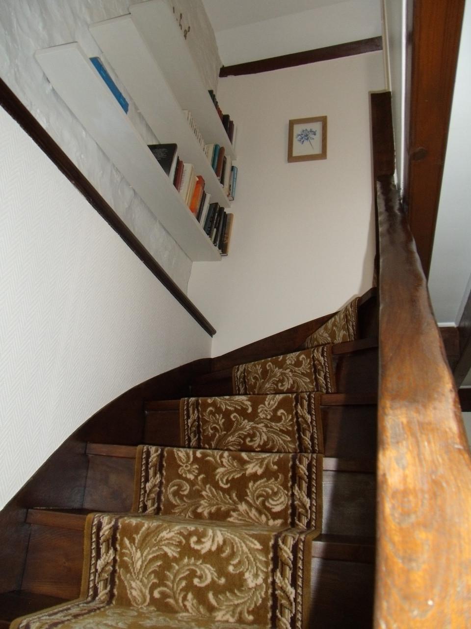 Escalier pour accès au 2ème étage