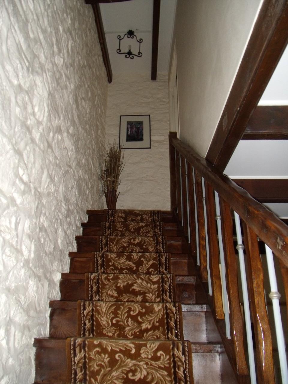Escalier pour accès au 1er étage