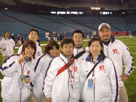 2006年のU-19アメリカンフットボール日本代表チームのトレーナースタッフと