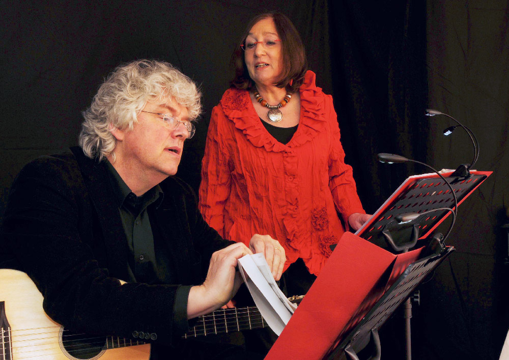 Sibylle Kynast: Gesang & Tilman Hübner: Gitarre