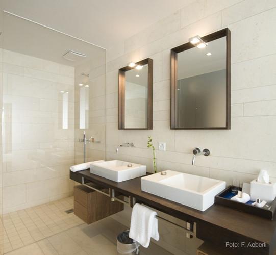 Al Porto Suite Badezimmer, Marina Lachen