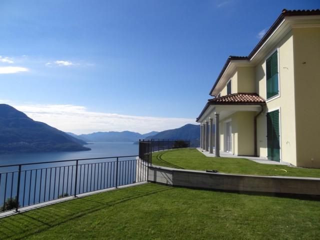 Neubau zweier Ferienhäuser, Brissago TI