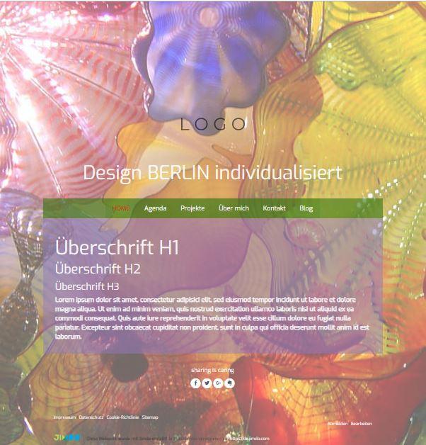 Jimdo Designvorlage BERLIN. Bei diesem Design kann der komplette Inhalt ausgerichtet werden (links, mittig oder rechts). Zusätzlich kann der Abstand vom oberen Rand bis zum Logo angepasst werden.