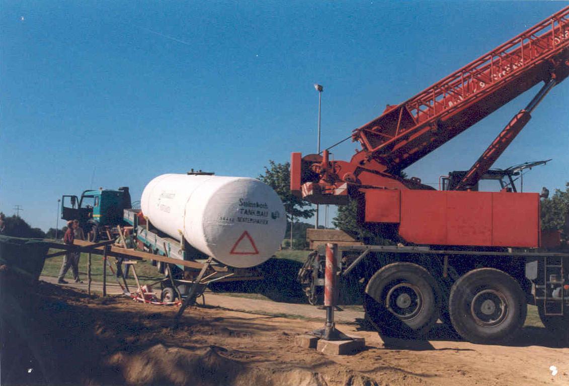 Einlassen des 30.000 Liter Wassertanks