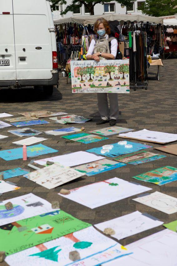 Sorgen und Wünsche der Jugend auf Plakaten