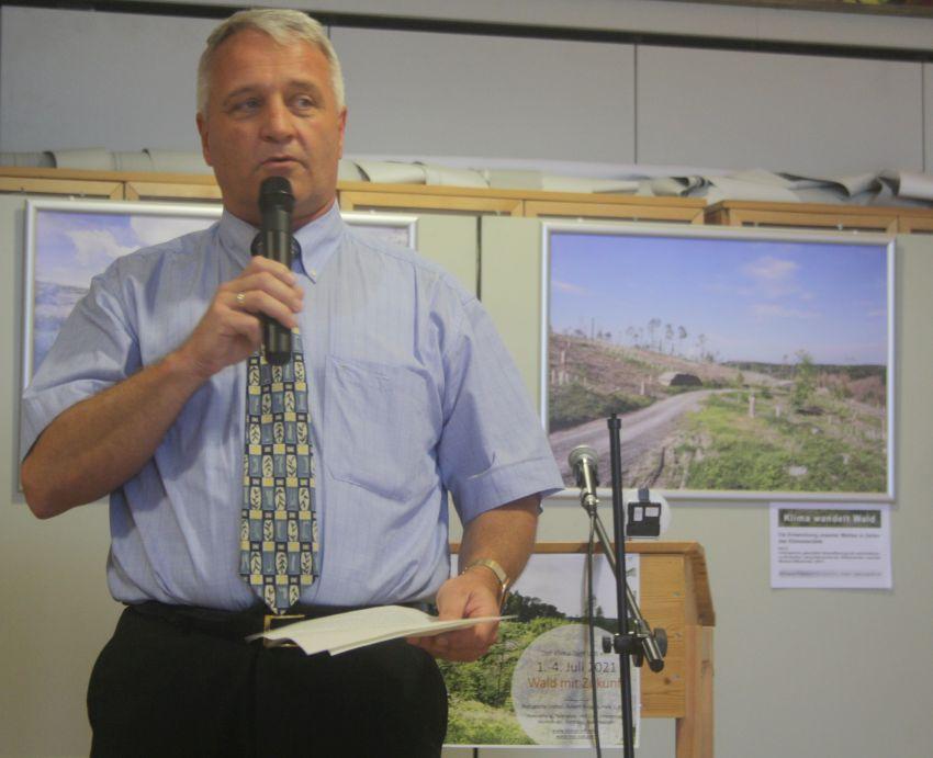 Ausstellungseröffnung durch Rainer Viehof, Bürgermeister der Gemeinde Eitorf