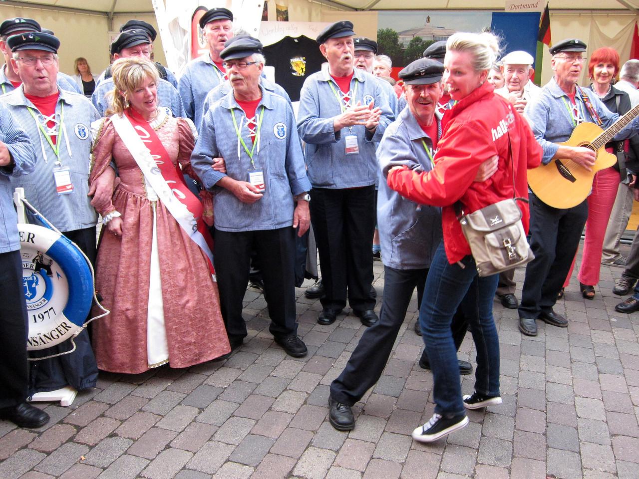 Dans op de Deel am Hansestand Herford