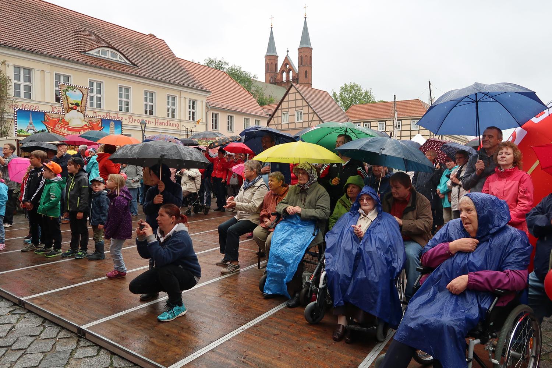 es hat geregnet, aber dass Publikum ist geblieben....
