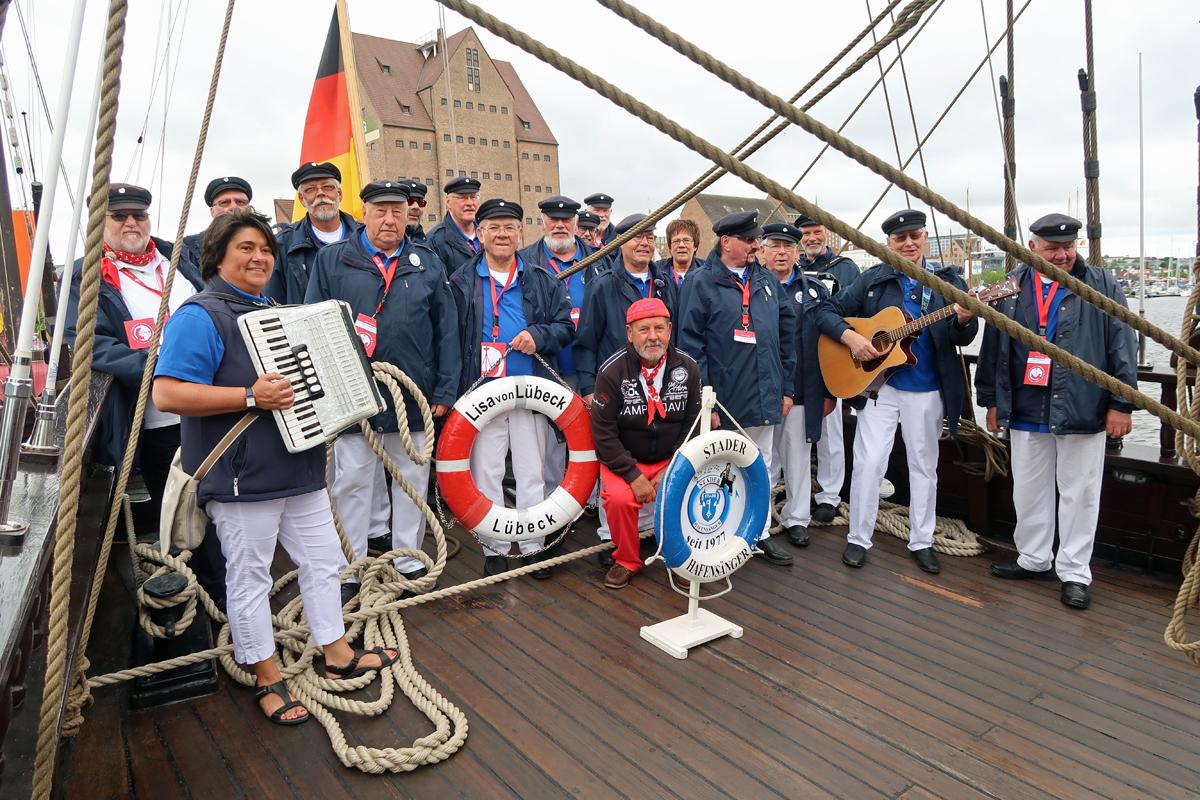 """.....24.06.2018 - auf der Kogge """"Lisa von Lübeck"""" - hier hat der Kapitän mit gesungen..."""