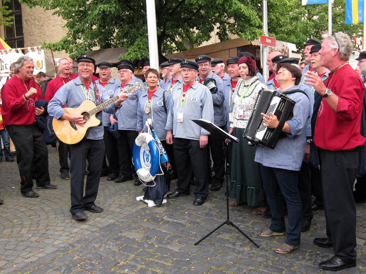 Spontaner Auftritt mit den De Deventer Hanzezangers  NL