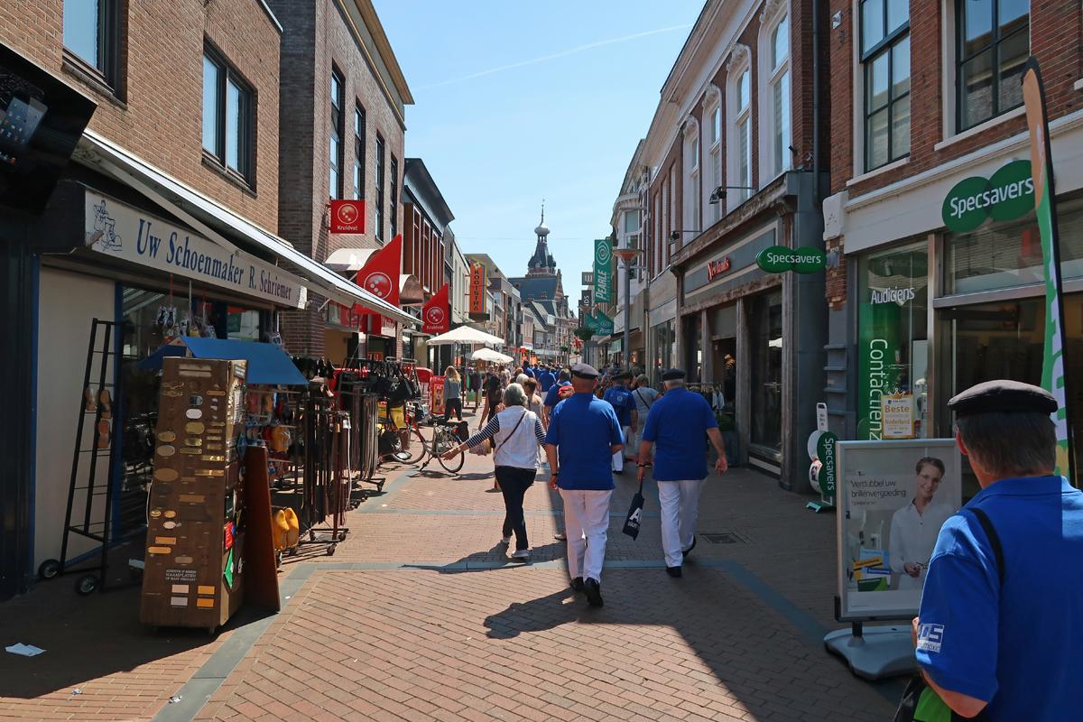 ..Fußgängerzone von Winschoten..