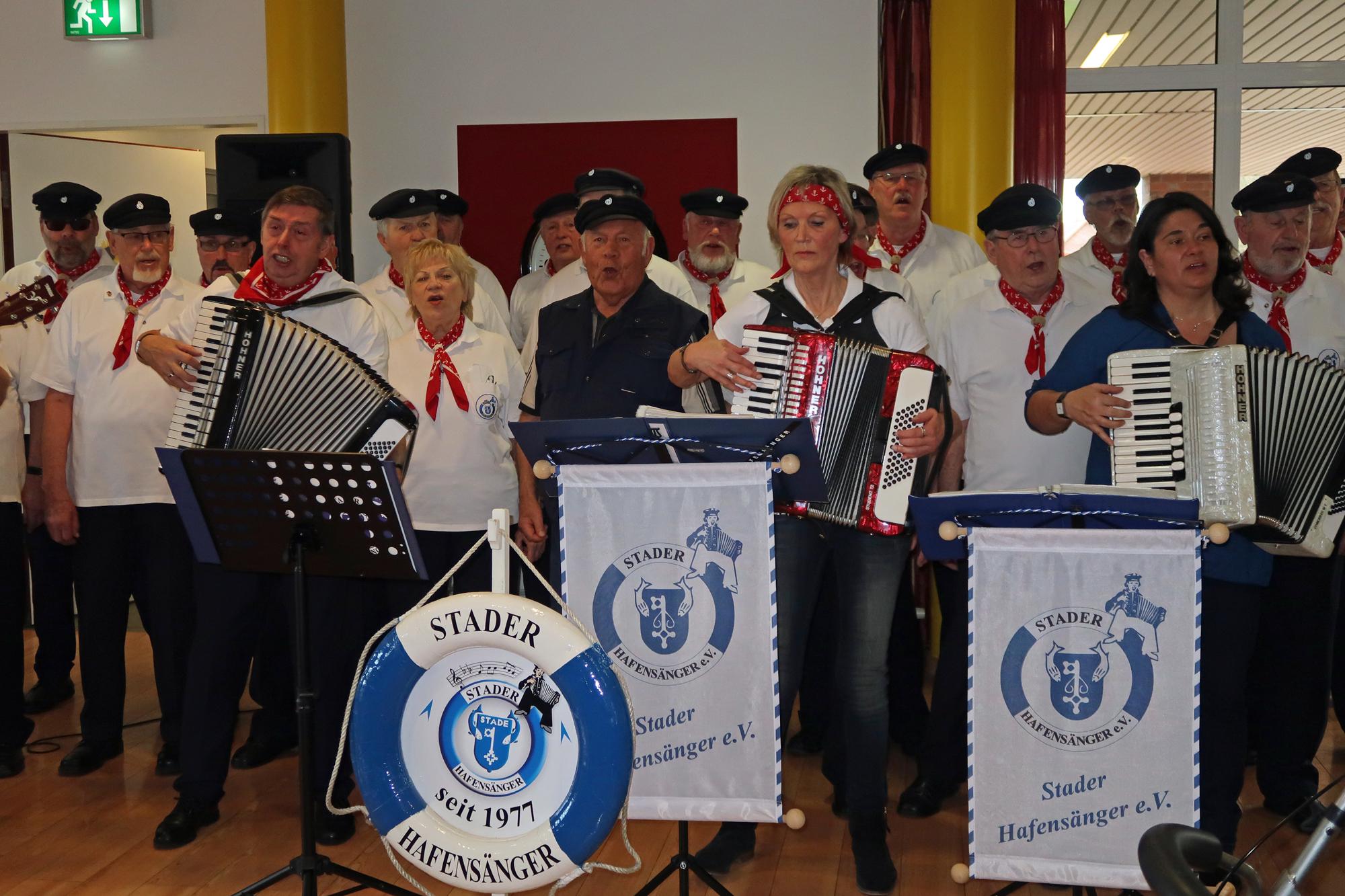 Werner Huth (Gründungsmitglied, (Mitte) hatte viel spaß beim mitsingen