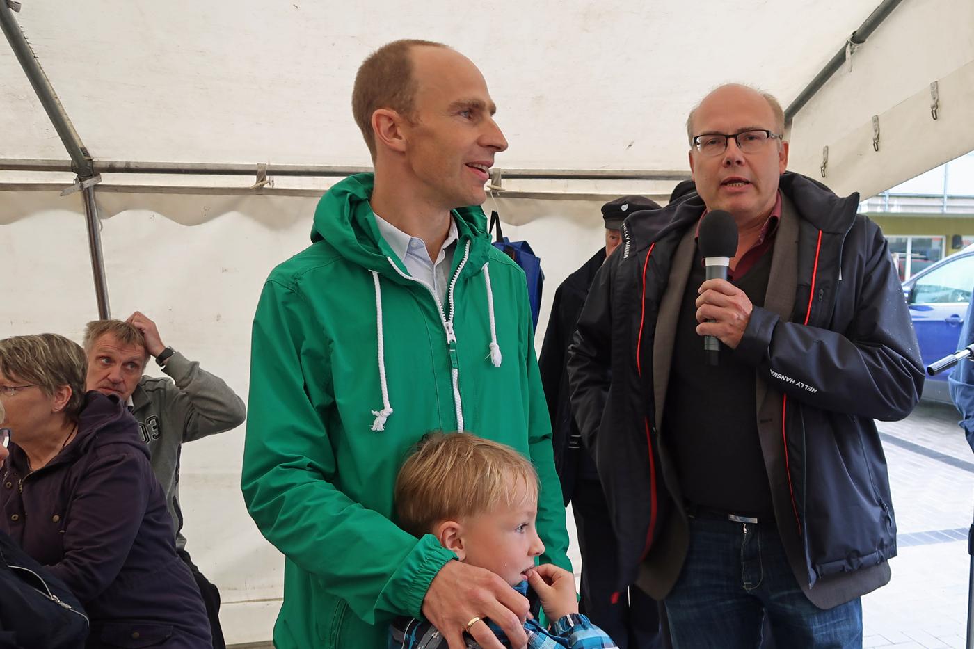 11.08.2017 - links - Dr. Pape (Wohnstätte Stade) mit Pastor Volker Dieterich-Dömröse (Markuskirchengemeinde Hahle)