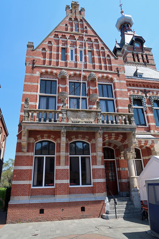 ...Rathaus....