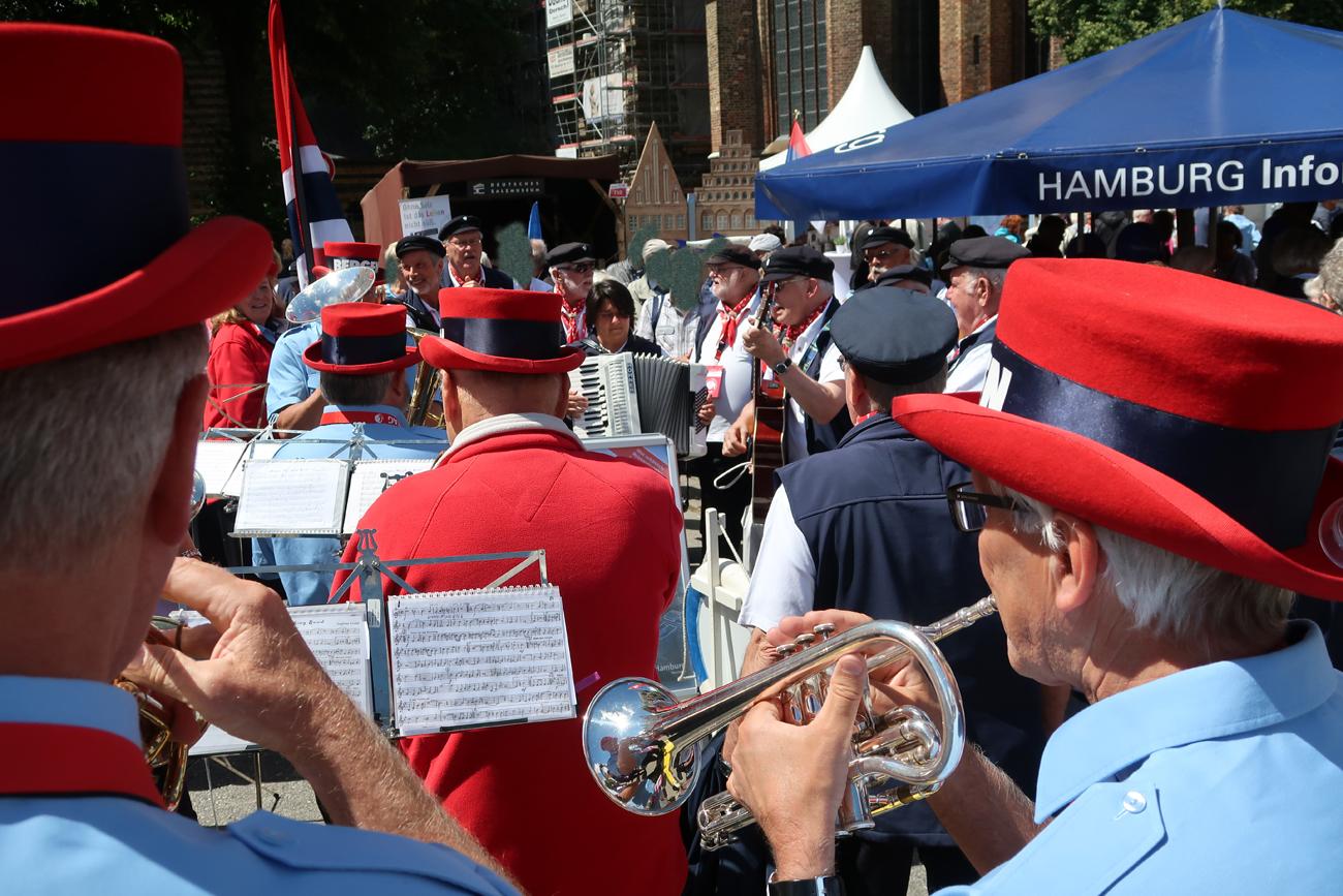 ..... gemeinsam macht es auch spaß, mit dem Blasorchester aus Bergen...