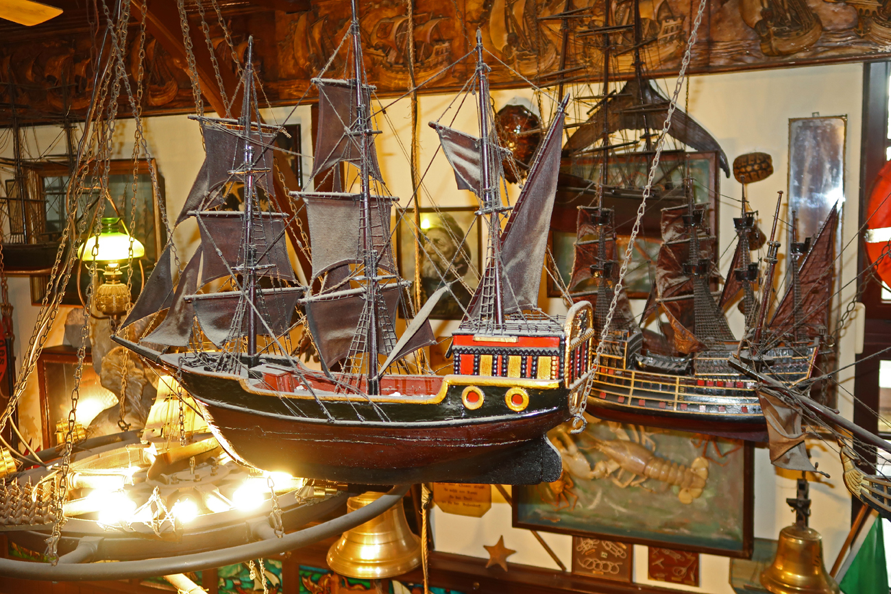"""....am Abend folgte eine Einladung ins Rostocks Maritime Gaststätte """"ZUR KOGGE""""..."""