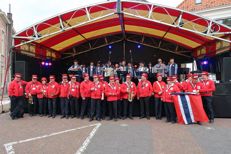 16.06.2017 - Bühne- Klaverhekkenbos- unser Auftritt - vor der Bühne, Blaskapelle  aus Norwegen