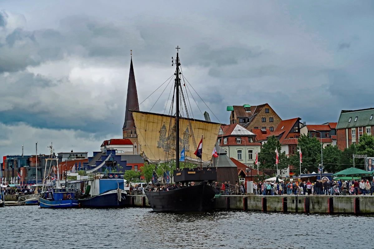 ...die Hanse Kogge aus Kampen (Holland)....