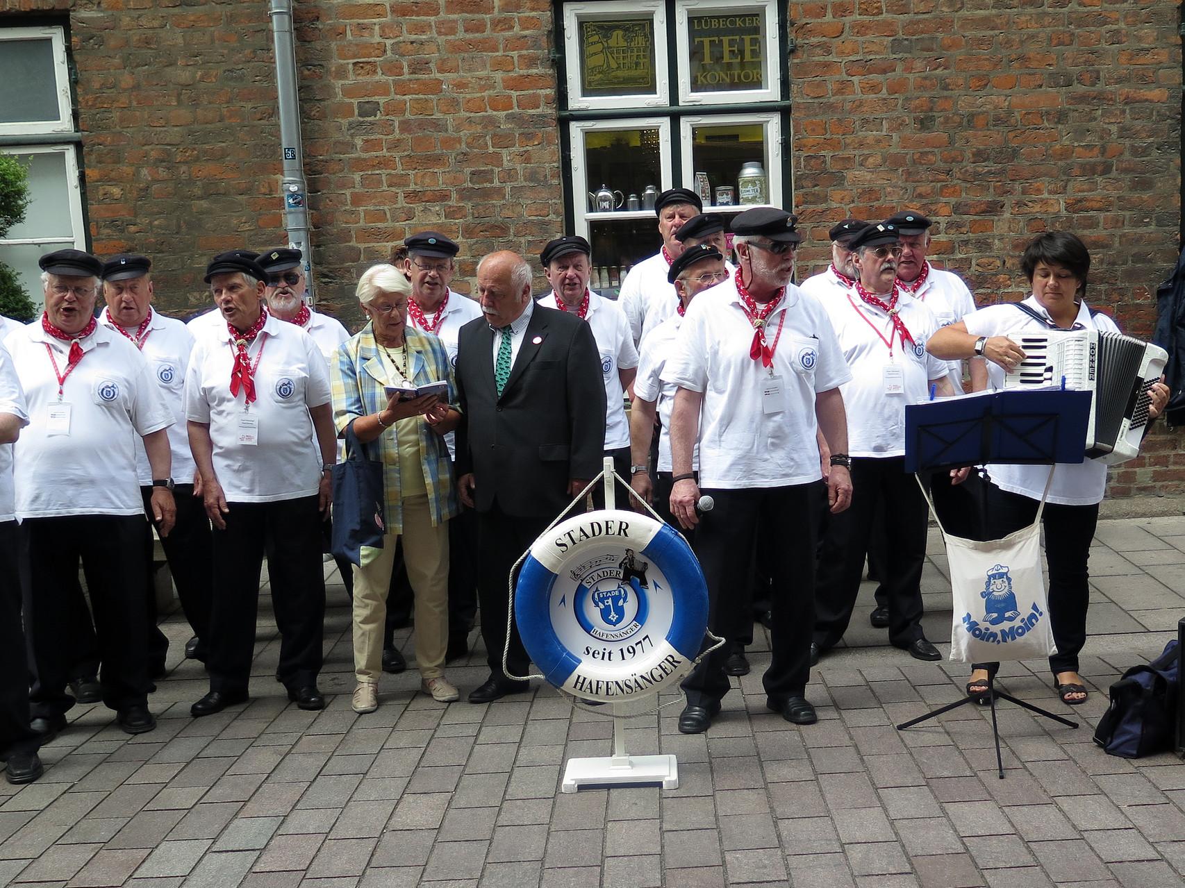 ....und immer wieder sangen Hansetage Besucher bei uns mit