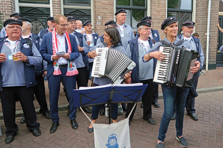 ....denn hier hat der Bürgermeister  Dr. Christof Bartsch hat mitgesungen
