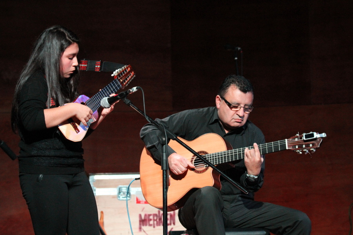 Valentina Soto charango, Rodólfo Sepúlveda, Guitarra