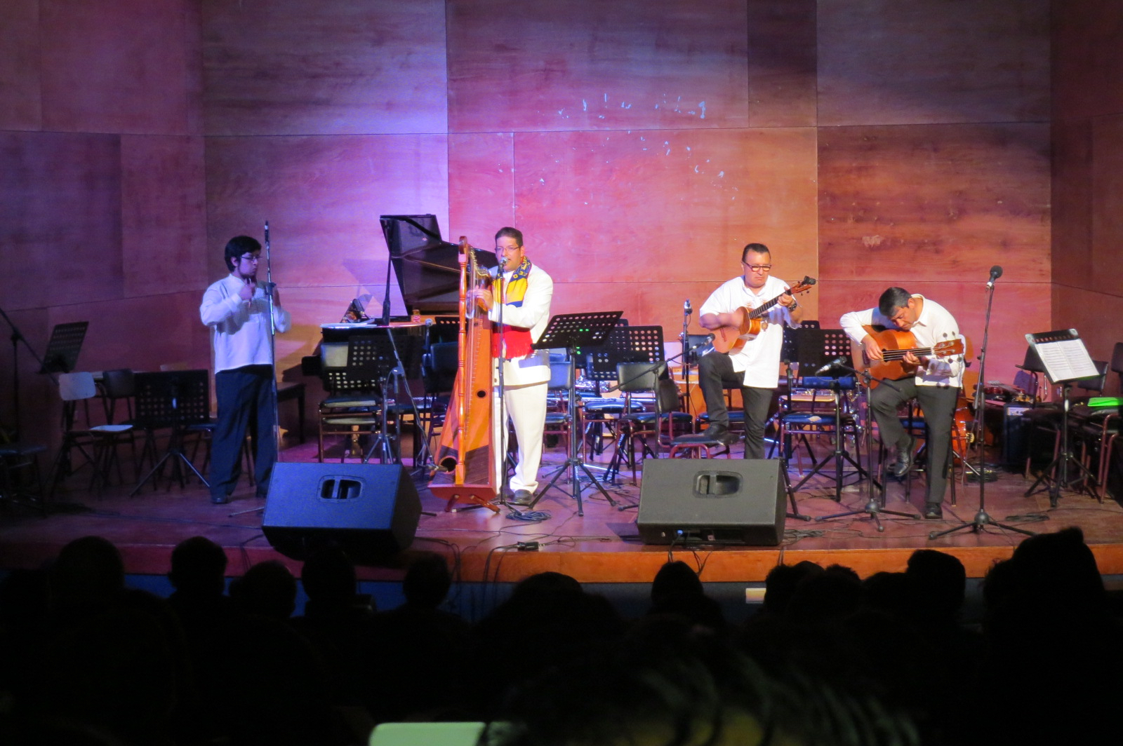 José Santos Barrios (Venezuela) y su agrupación Travesía del Sur